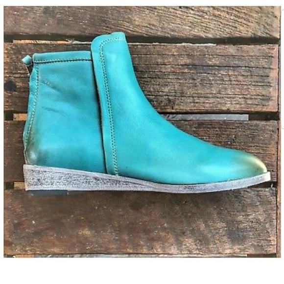 58b7138e7bc Gee WaWa leather boots